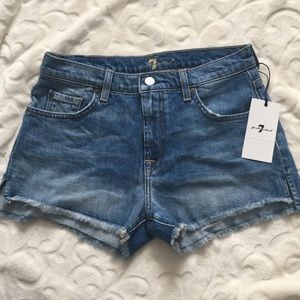 7 For All Mankind Jean shorts. NWT size 26